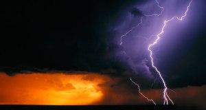 CloudToGround_EN-US2741696585